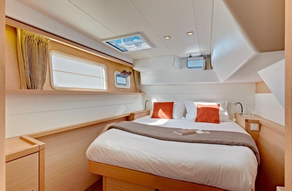 Rental yacht San Salvo - Lagoon Lagoon 450 on SamBoat