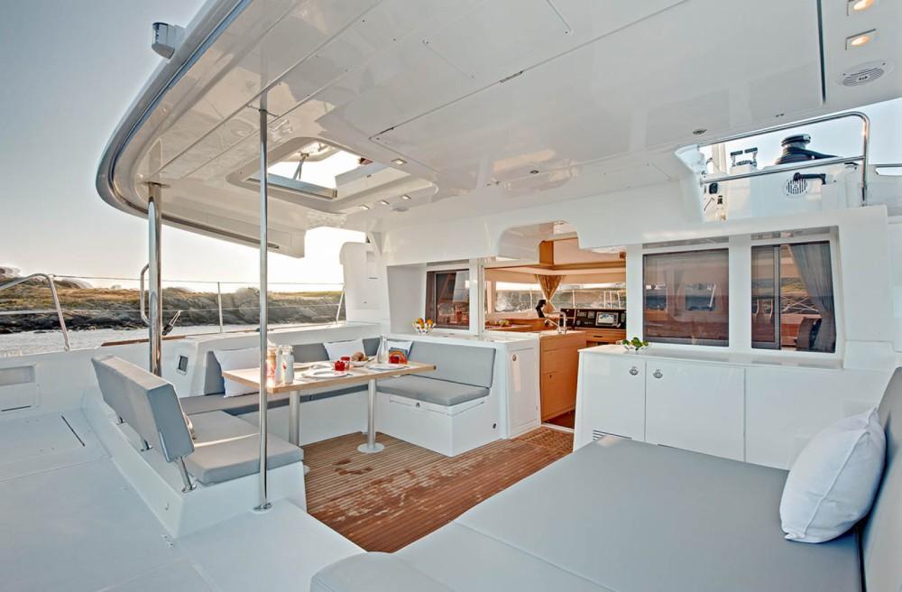 Boat rental San Salvo cheap Lagoon 450