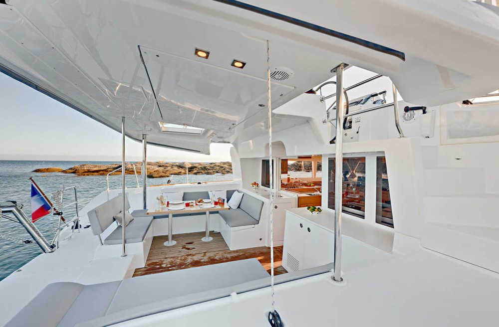 Hire Catamaran with or without skipper Lagoon San Salvo