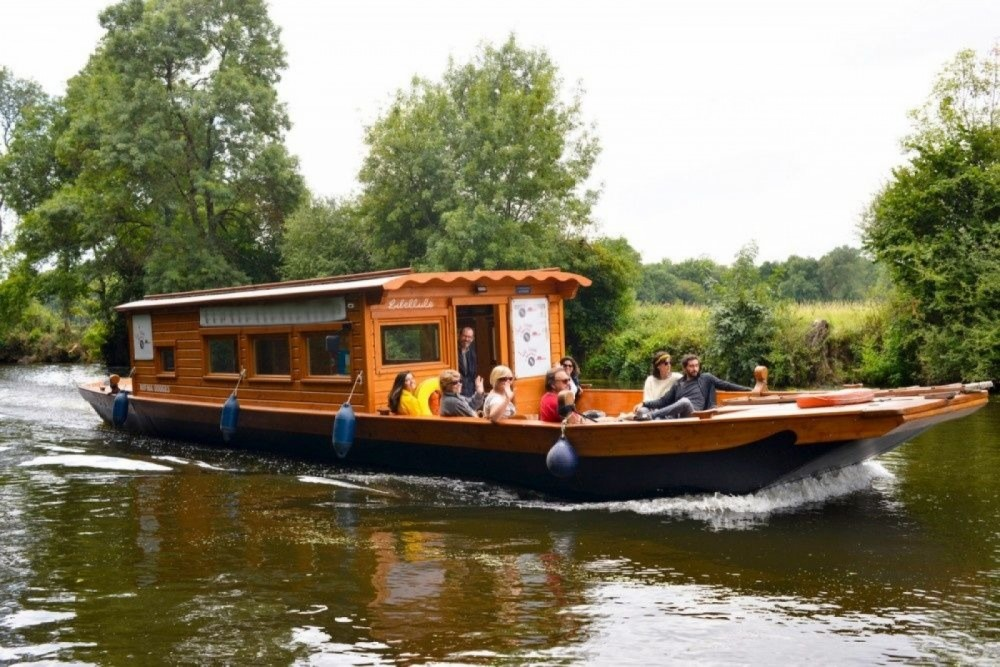 Hire Canal boat with or without skipper Custom Made Nantes