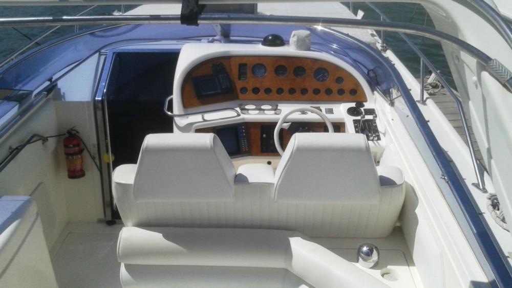 Rental yacht La Savina - Sunseeker Thunderhawk 43 on SamBoat