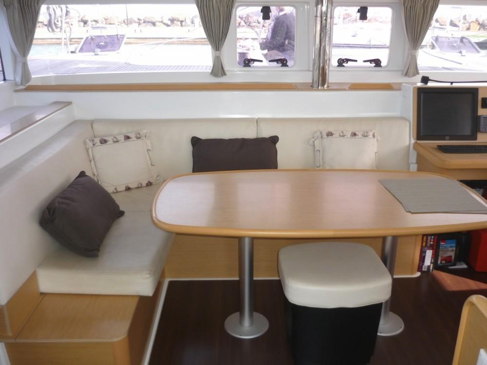 Boat rental Marseille cheap Lagoon 400