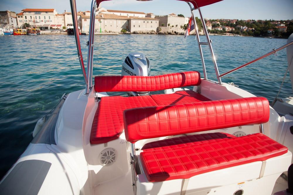 Boat rental Croatia cheap Dynamic 790