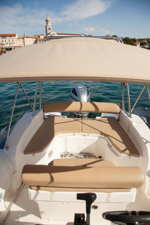 Boat rental Marlin Boat Dynamic 790 in Croatia on Samboat
