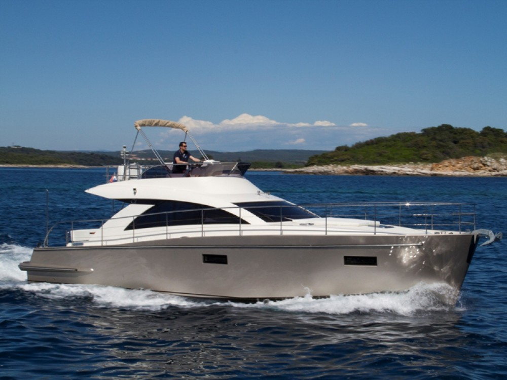 Cyrus Cyrus 13.8 Flybridge between personal and professional Rovinj