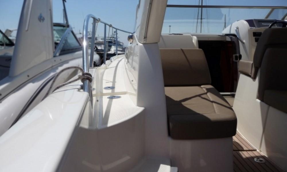 Boat rental Jeanneau Leader 8 in Mandelieu-la-Napoule on Samboat