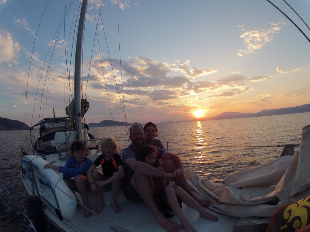Rental Sailboat in Athens - Jeanneau Gin Fizz
