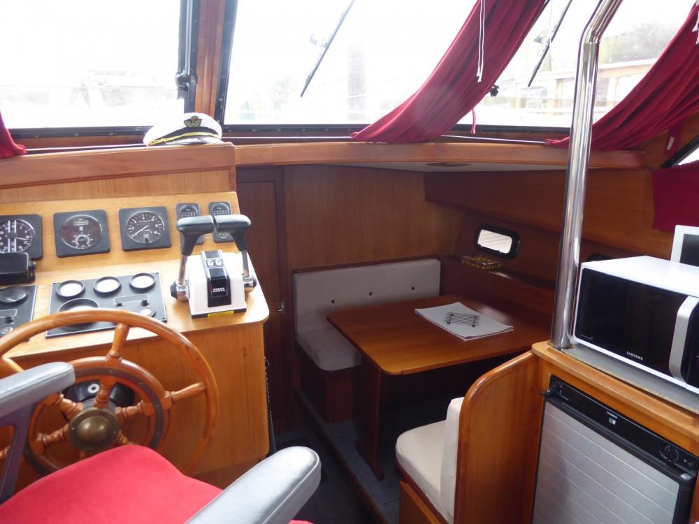 Rental Motor boat in Rouen - Aquanaut Unico 1100 fly