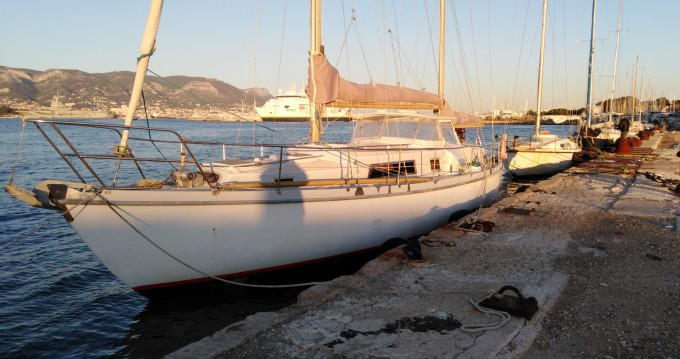 Rental yacht La Seyne-sur-Mer - Amel Euros 41 on SamBoat