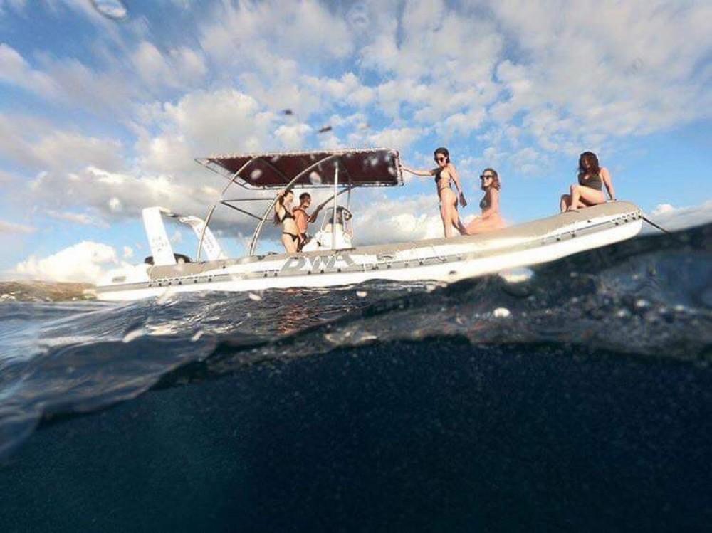 Rental yacht Saint-Gilles-les-Bains - Bwa semi-rigide on SamBoat