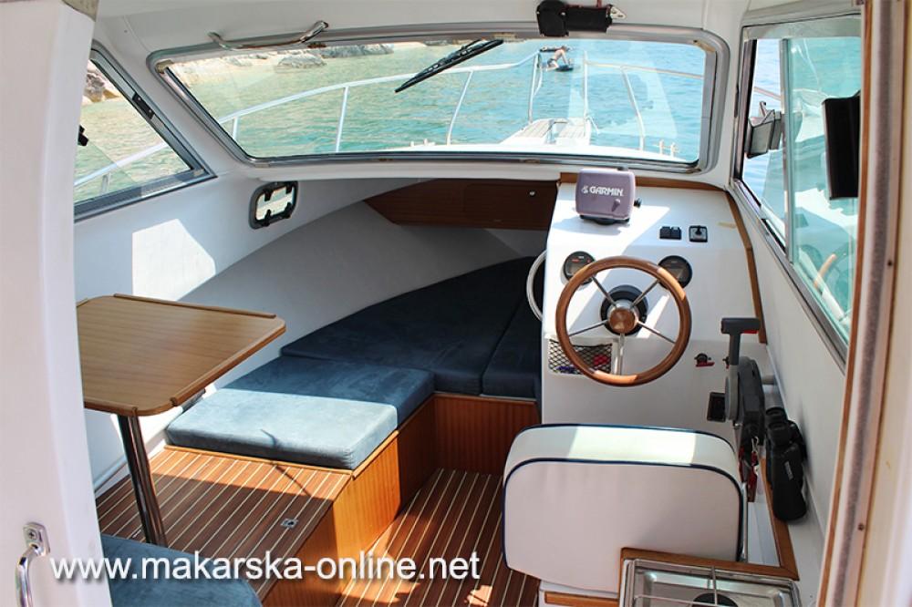 Boat rental Patrol  Patrol 690 in Makarska on Samboat
