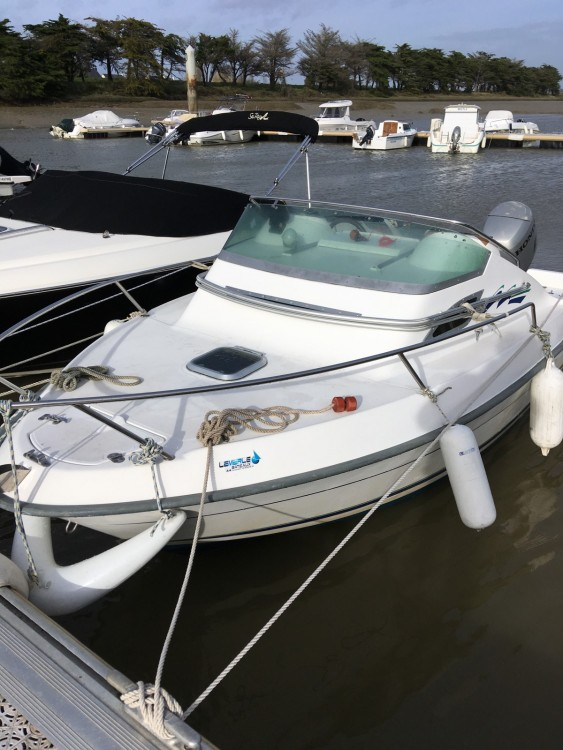 B2 Marine Cap Ferret 550 between personal and professional Le Pouliguen