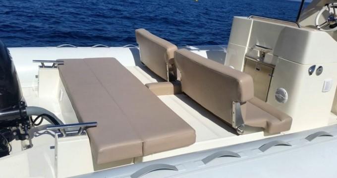 Boat rental Salerno cheap 870 D