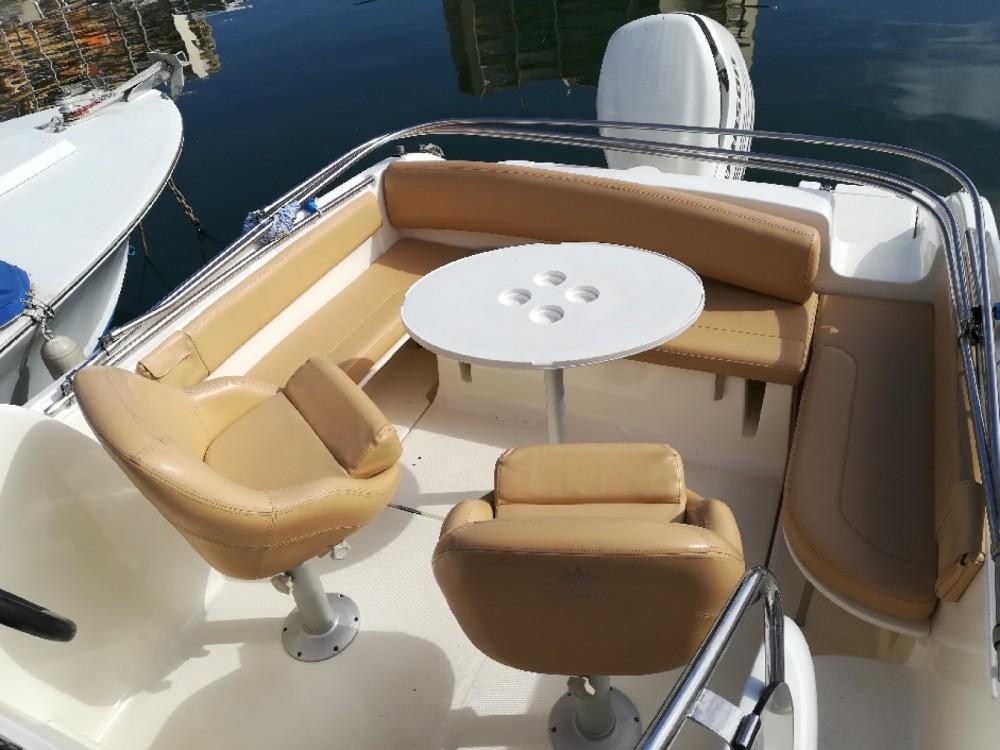 Rental Motorboat in Mandelieu-la-Napoule - Jeanneau Cap Camarat 715 WA