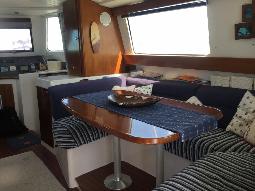 Rental yacht Saint-Cyprien - Fountaine Pajot Maryland 37 on SamBoat