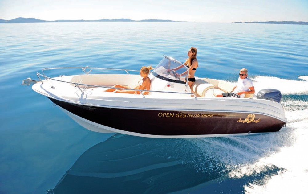Boat rental Pacific Craft Pacific Craft 625 Open in Ibiza on Samboat