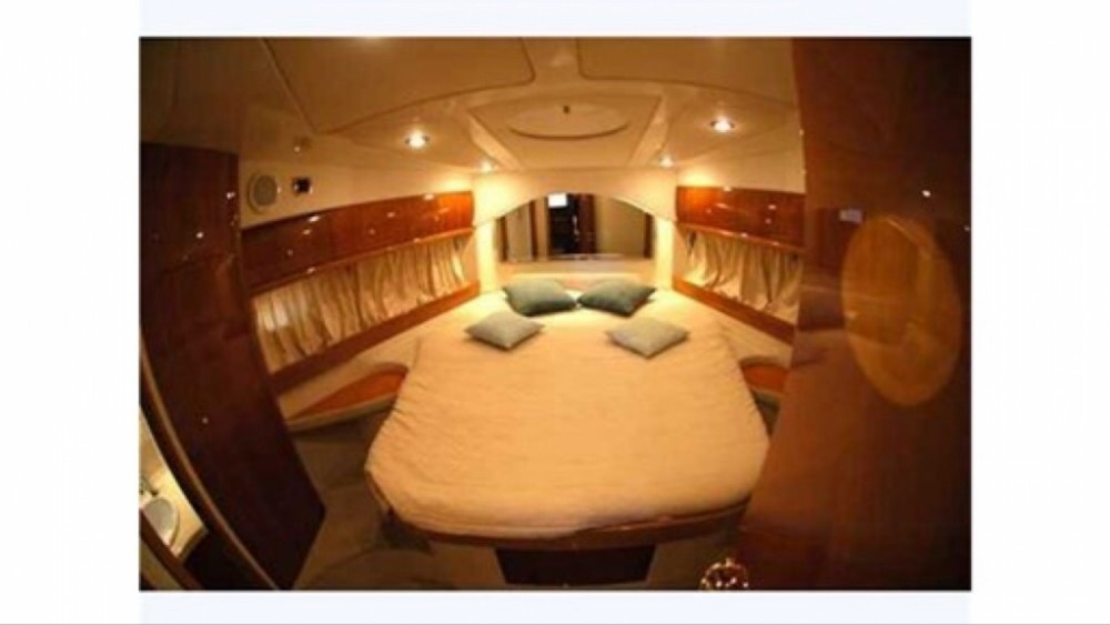 Motorboat for rent Valletta at the best price