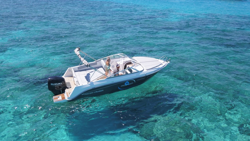 Rental Motorboat in Ibiza - Pacific Craft Pacific Craft 700 DC