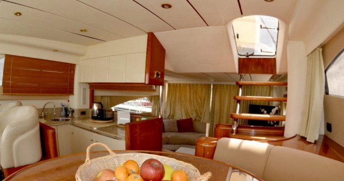 Rental Yacht Fairline with a permit