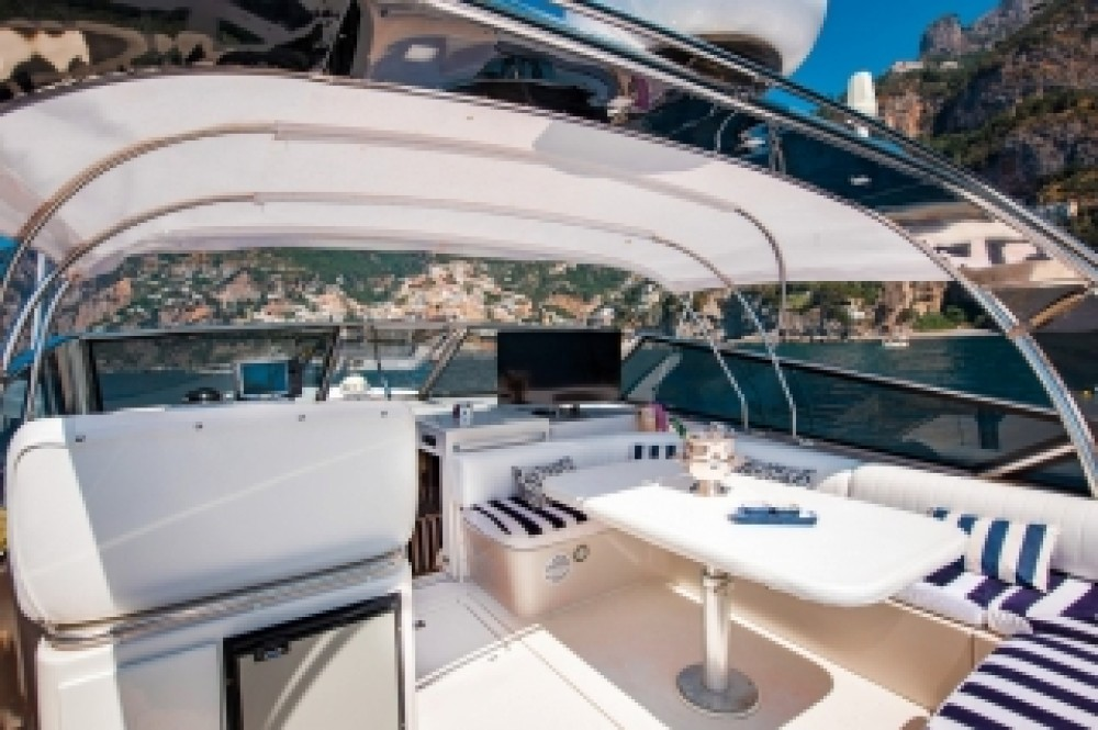 Rental yacht  - Itama Itama 46 on SamBoat