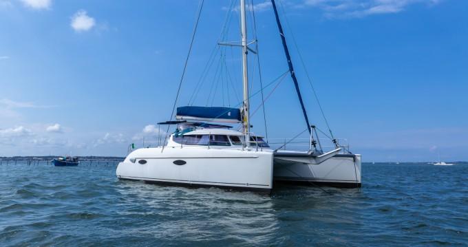 Rental yacht Arcachon - Fountaine Pajot Lavezzi 40 on SamBoat