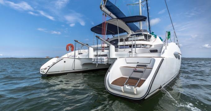 Rental Catamaran in Arcachon - Fountaine Pajot Lavezzi 40