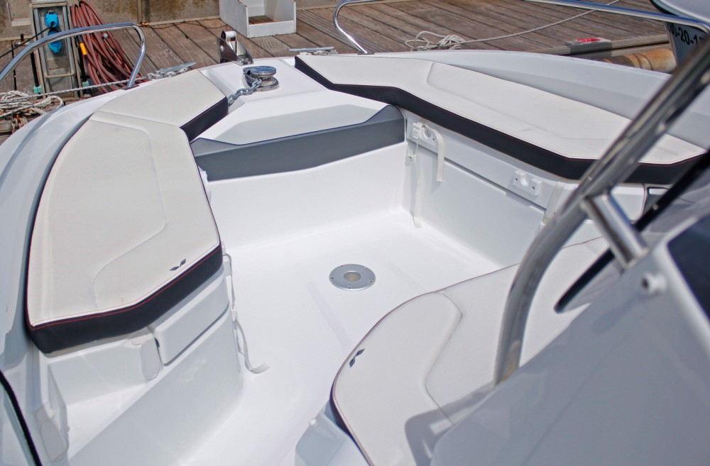 Hire Motorboat with or without skipper Bénéteau Barcelona