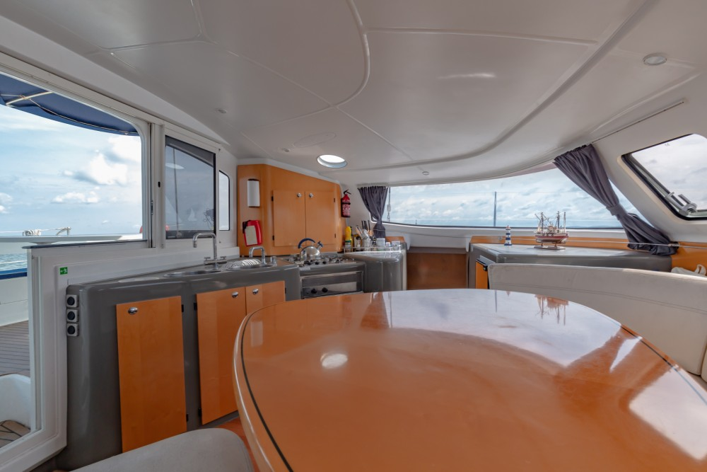 Hire Catamaran with or without skipper Fountaine Pajot Arcachon