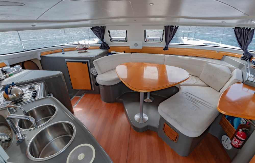 Fountaine Pajot Lavezzi 40 between personal and professional Arcachon