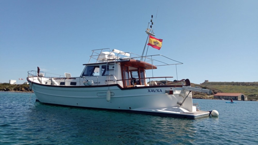 Hire Motorboat with or without skipper Menorquin-Yachts Maó