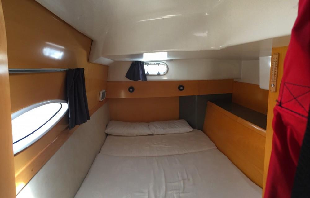 Rental Catamaran in Canet-en-Roussillon - Fountaine Pajot Lavezzi 40