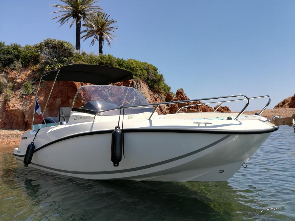Boat rental Quicksilver Quicksilver 605 Sundeck in Mandelieu-la-Napoule on Samboat