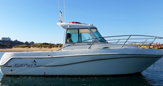 Rental Motorboat Faeton with a permit
