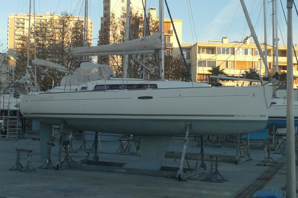 Bénéteau Oceanis 34 between personal and professional Six-Fours-les-Plages