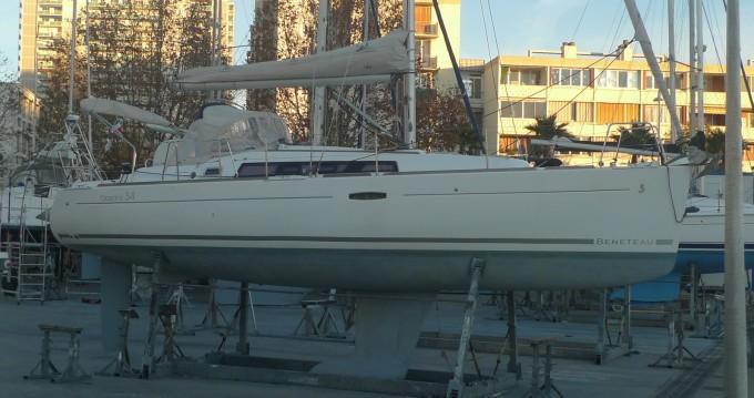 Rental Sailboat in Île des Embiez - Bénéteau Oceanis 34