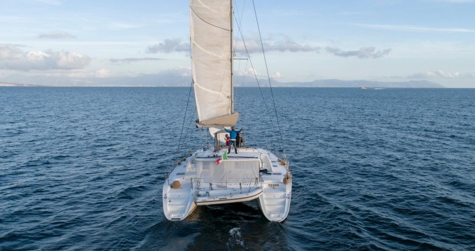Boat rental Naples cheap Lagoon 440