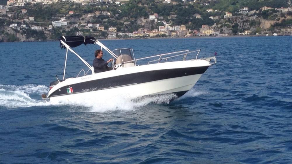 Rental Motorboat tecnofiber with a permit