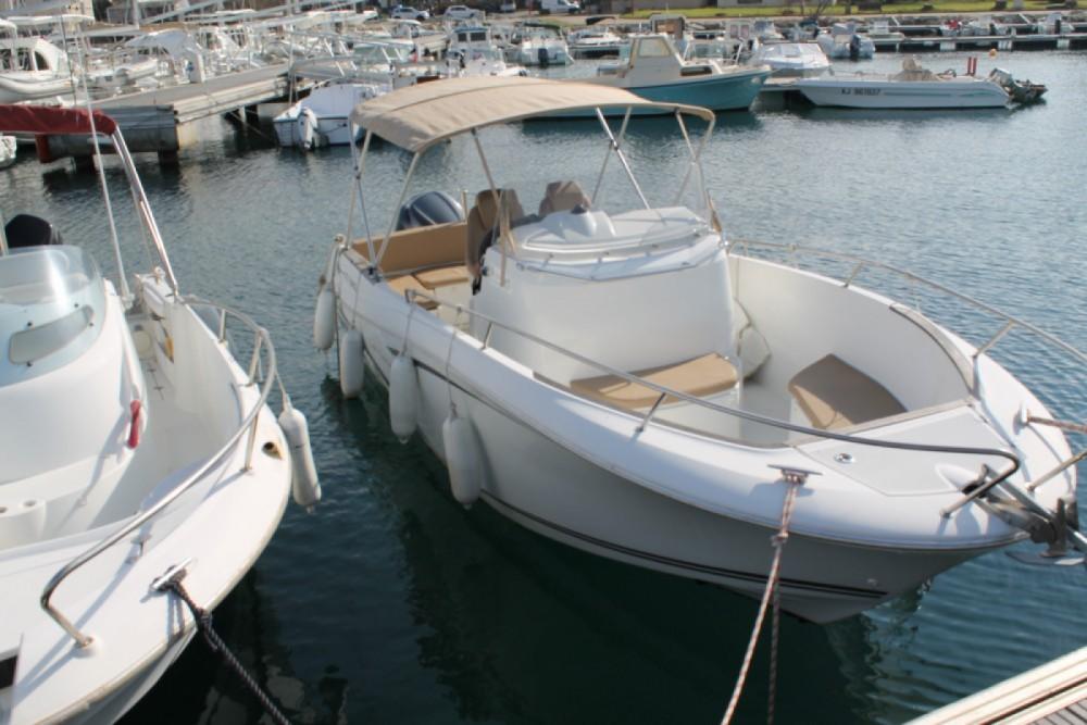 Boat rental Jeanneau Cap Camarat 7.5 Style in Propriano on Samboat