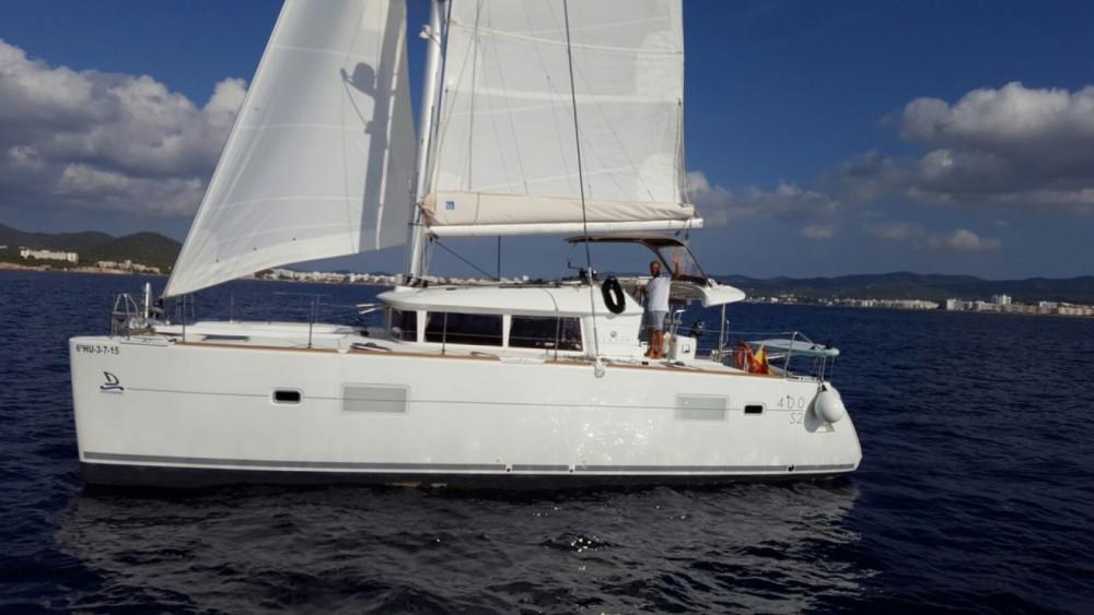 Boat rental Barcelona cheap Lagoon 400 S2
