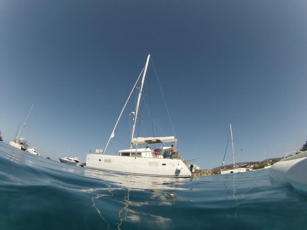 Rental Catamaran in Barcelona - Lagoon Lagoon 400 S2