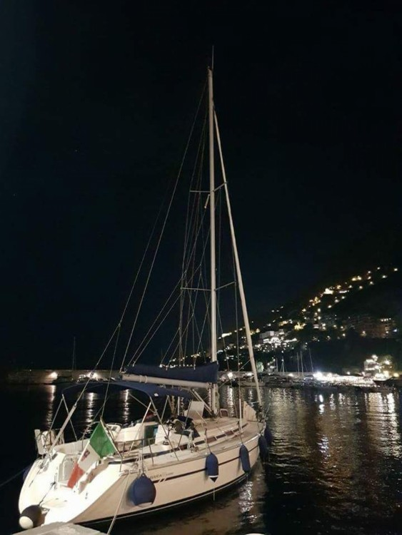 Boat rental Bavaria BMB 37 S in Castellammare di Stabia on Samboat