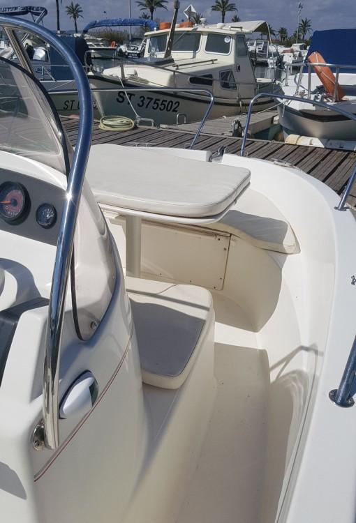 Boat rental Jeanneau Cap Camarat 545 in Palavas-les-Flots on Samboat