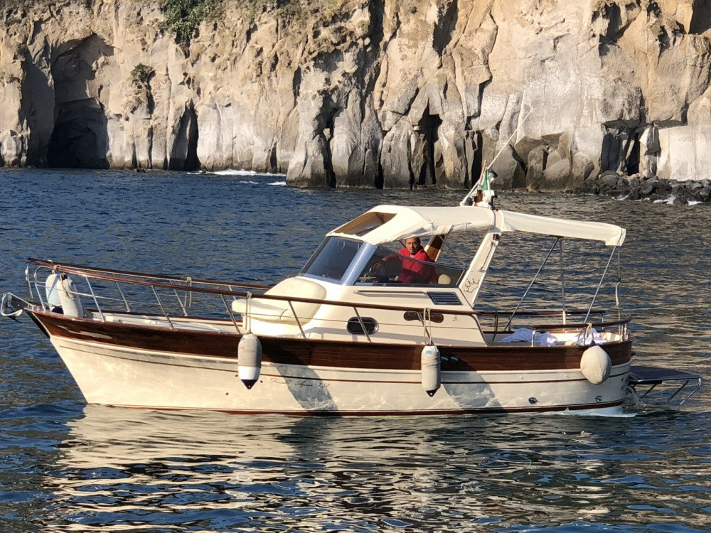 Hire Motor boat with or without skipper Fratelli Aprea Sorrento