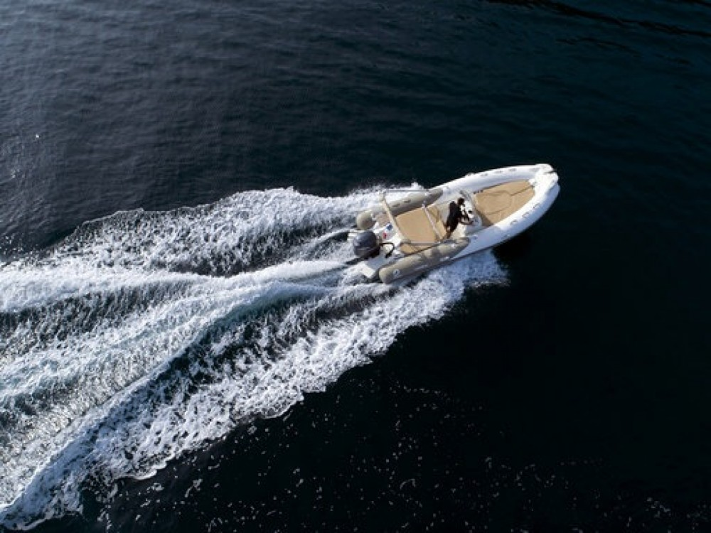 Rental yacht Cannes - Zodiac Medline 650 on SamBoat