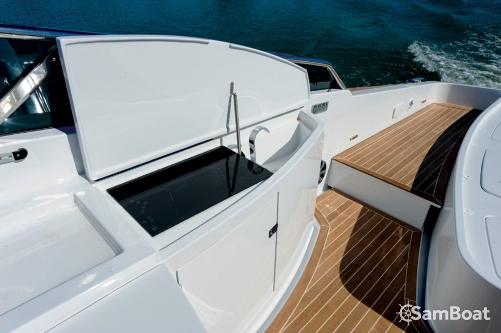 Hire Motorboat with or without skipper Tornado Anacapri