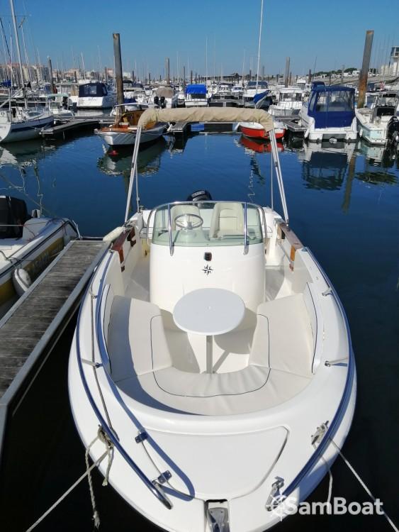 Boat rental Jeanneau Cap Camarat 625 in Arcachon on Samboat