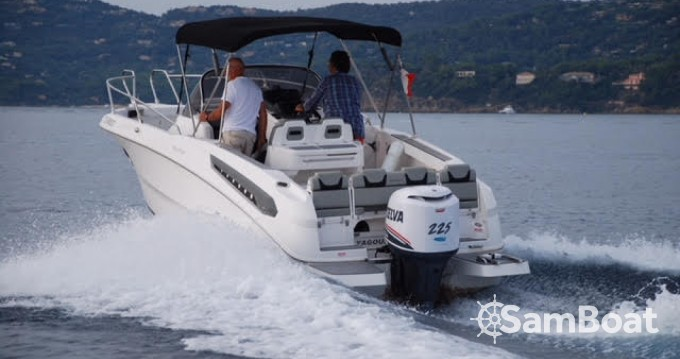 Motorboat for rent Port-Camargue at the best price