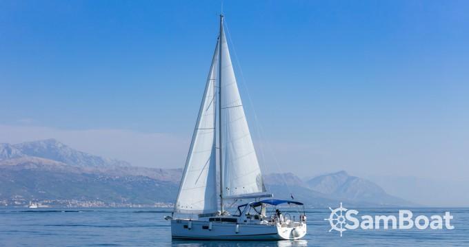 Boat rental Bénéteau Oceanis 38.1 in Split on Samboat