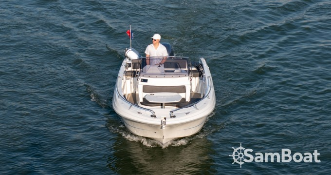 Rental Motorboat in Paris - Pacific Craft Pacific Craft 670 Open
