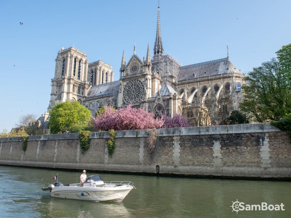 Rental Motor boat in Paris - Pacific Craft Pacific Craft 670 Open